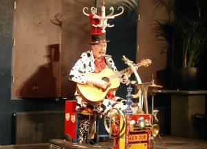 Ben Jur straatmuziek - El Capstok