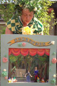 Poppentheater poppenkast sprookje Sneeuwwitje