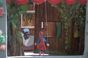 Poppentheater poppenkast sprookje Roodkapje - El Capstok