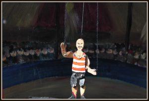 de speelman Circus Mini op straat