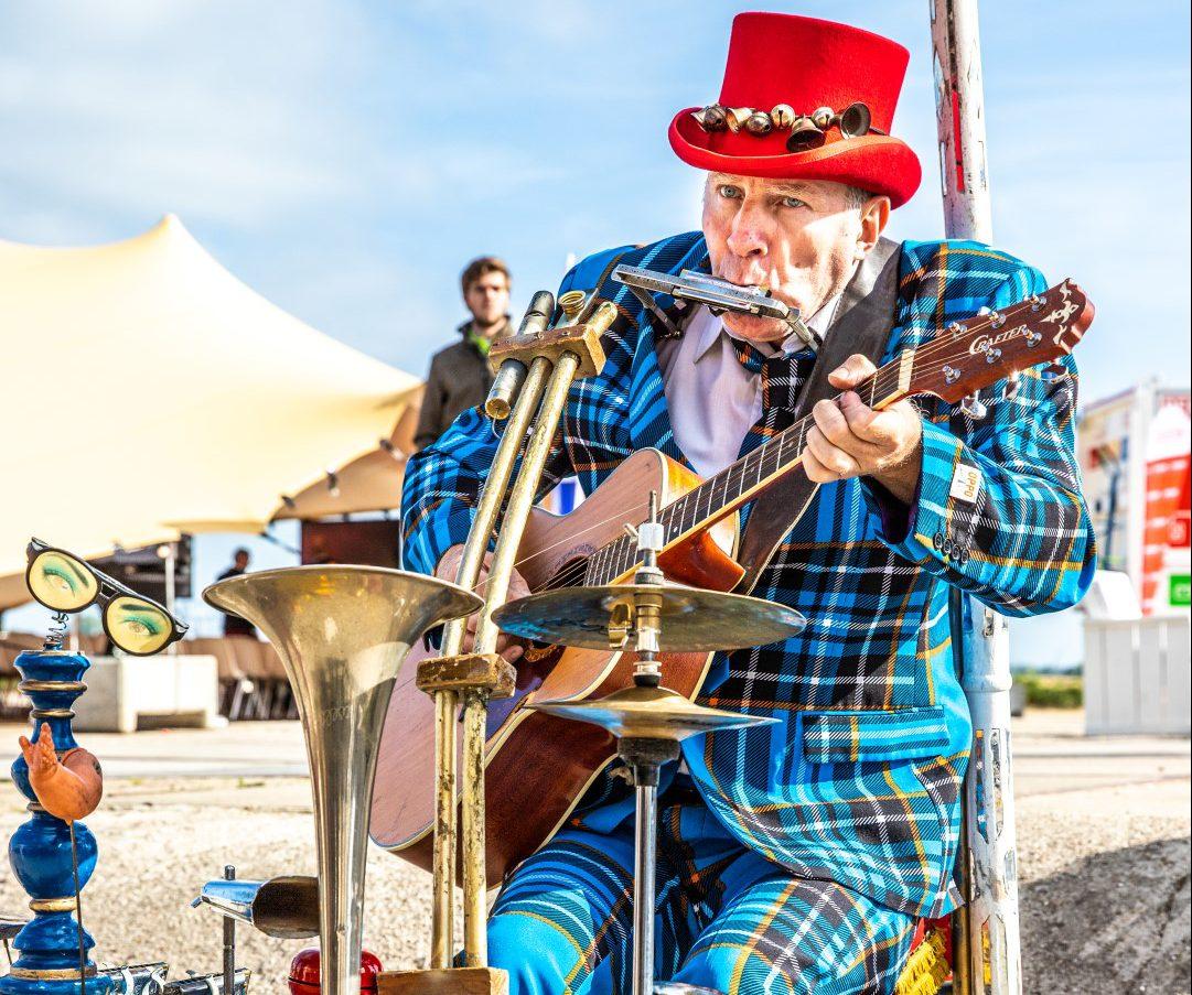 Ben Jur one-man-band